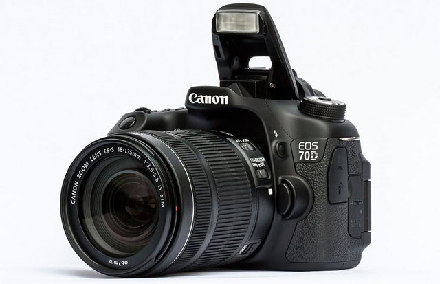Canon EOS 70D Kit 18-135 IS STM canon eos 750d kit 18 135mm is stm