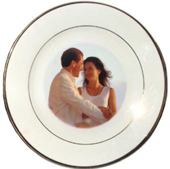 Купить Тарелка белая большая с золотым ободком в официальном интернет-магазине оргтехники, банковского и полиграфического оборудования. Выгодные цены на широкий ассортимент оргтехники, банковского оборудования и полиграфического оборудования. Быстрая доставка по всей стране
