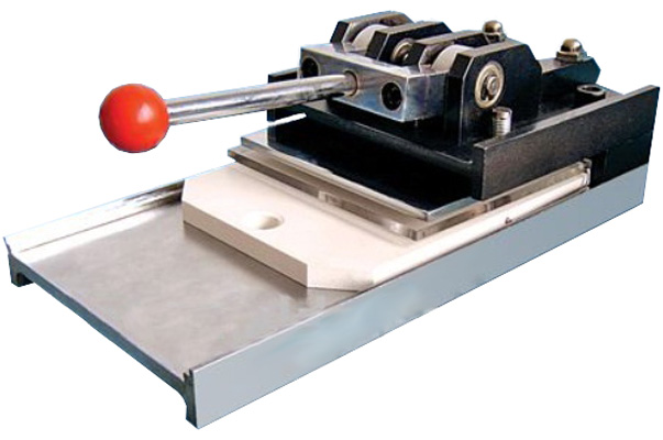 Вырубщик для значков Vektor Multisheets Cutter